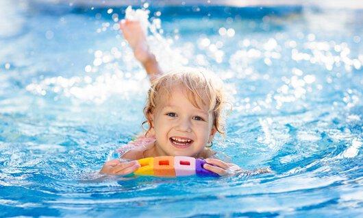 raimund-muenchen-schwimmen-kurse-kinder-jugendliche-sport-schwimmen-lernen-flapfin6~-~575w